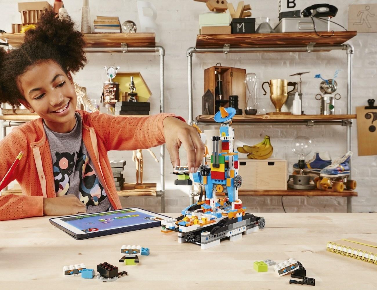 LEGO Boost Robot Building Kit