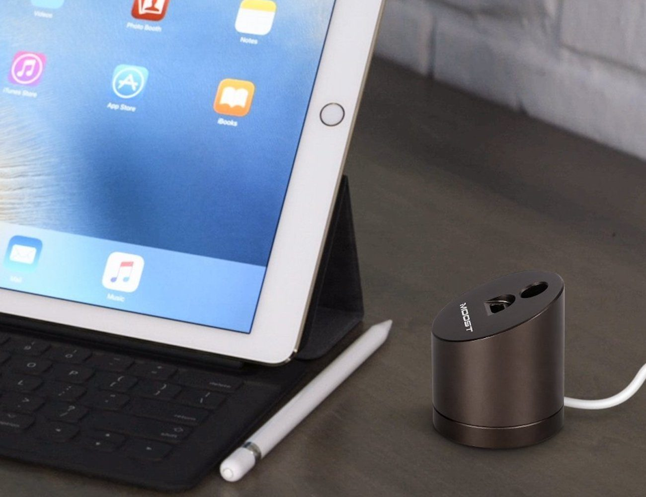 MOOST Aluminum Apple Pencil Charging Stand