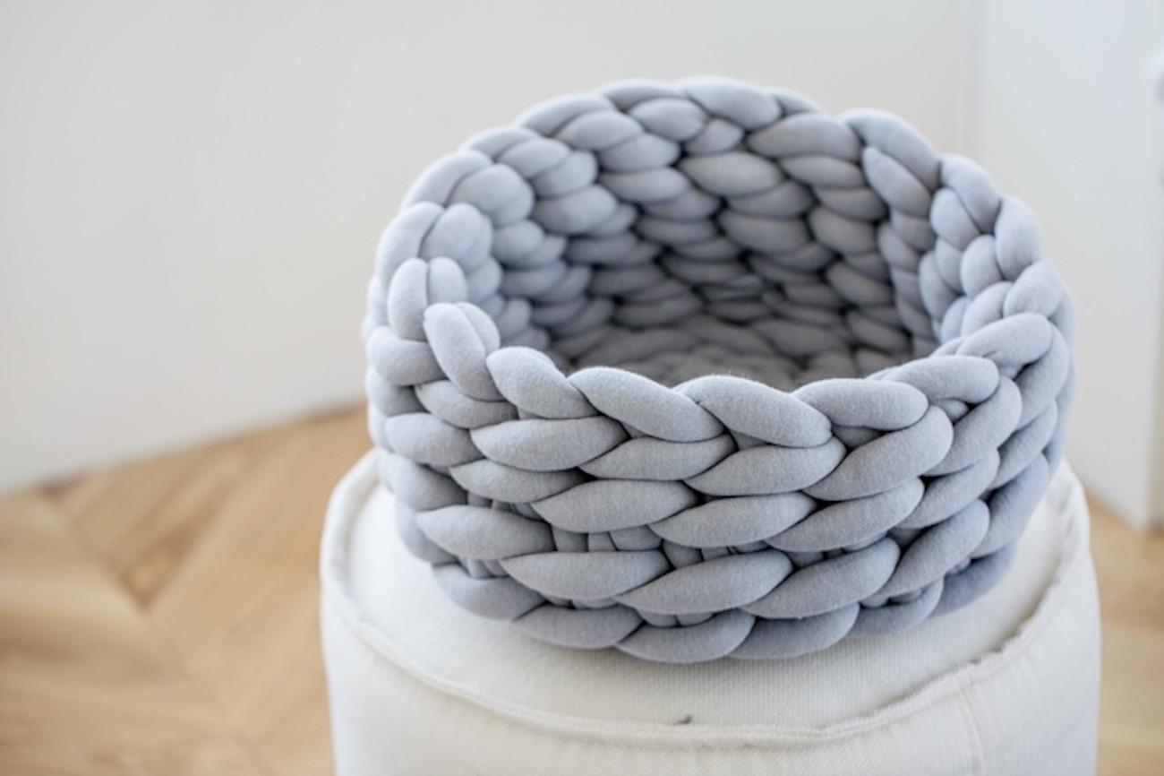 Ohhio Braid Knit Cat Bed