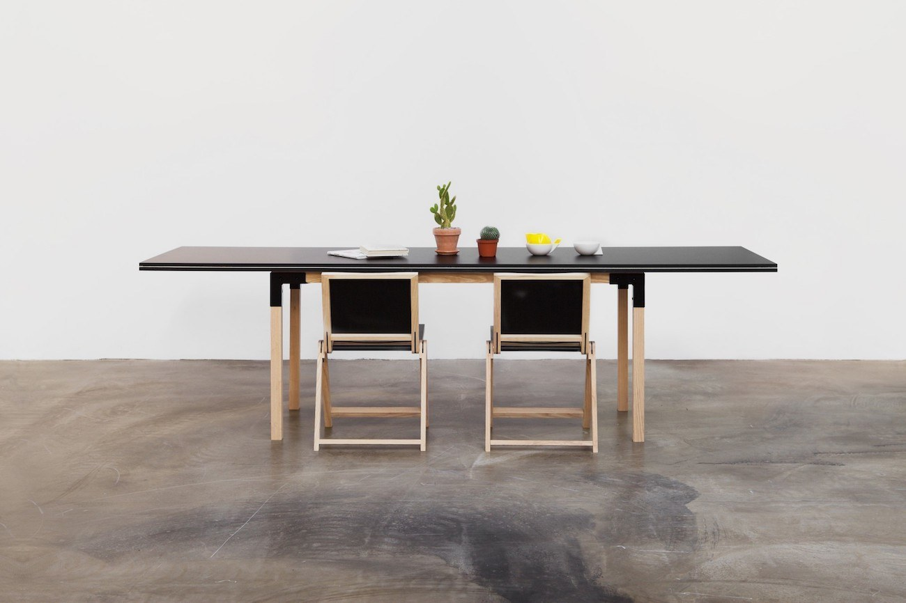 pull pong ping pong dining table review the gadget flow. Black Bedroom Furniture Sets. Home Design Ideas