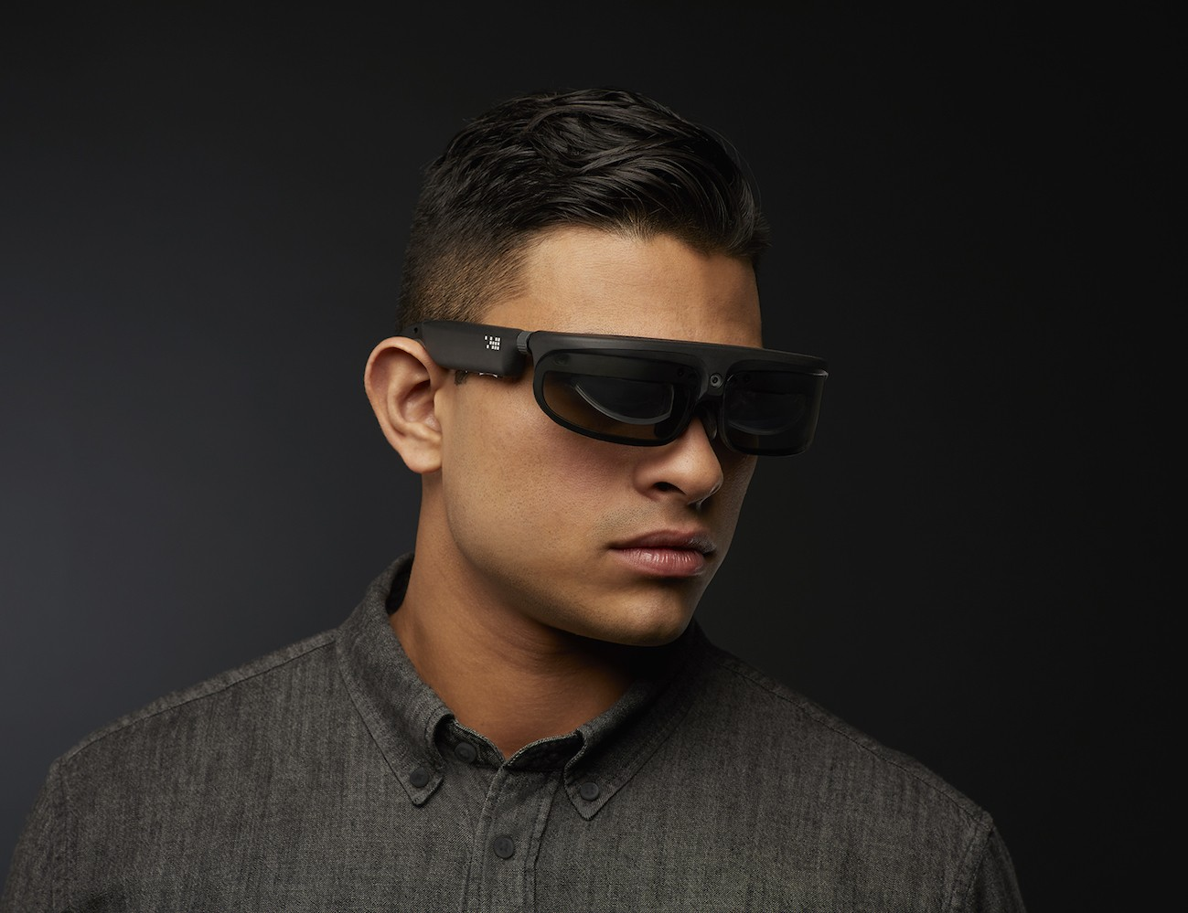 R-8 Mixed-Reality Smart Glasses