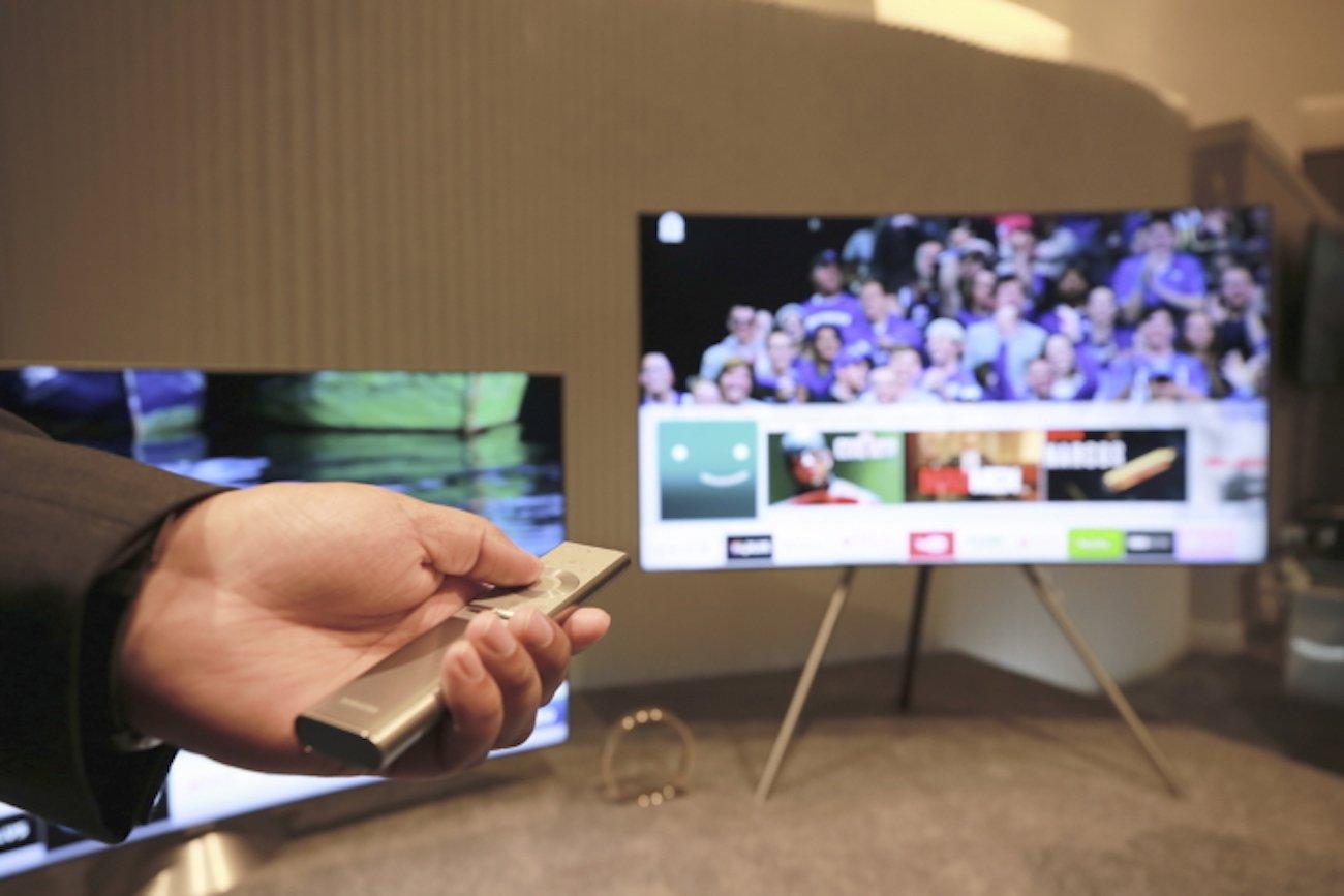 samsung qled televisions gadget flow. Black Bedroom Furniture Sets. Home Design Ideas