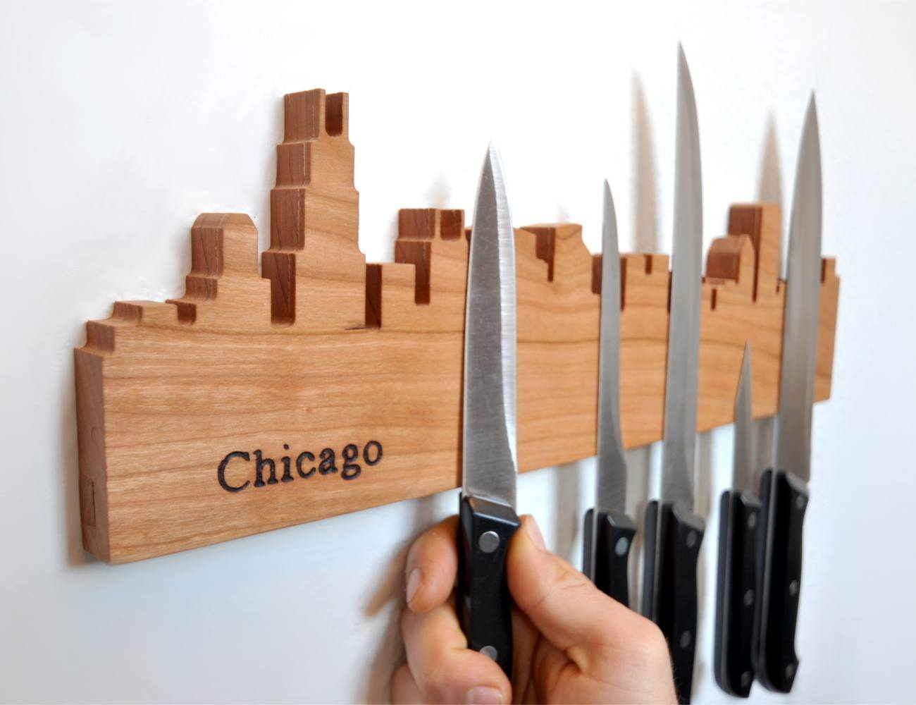 Skyline Hang Magnetic Organizer