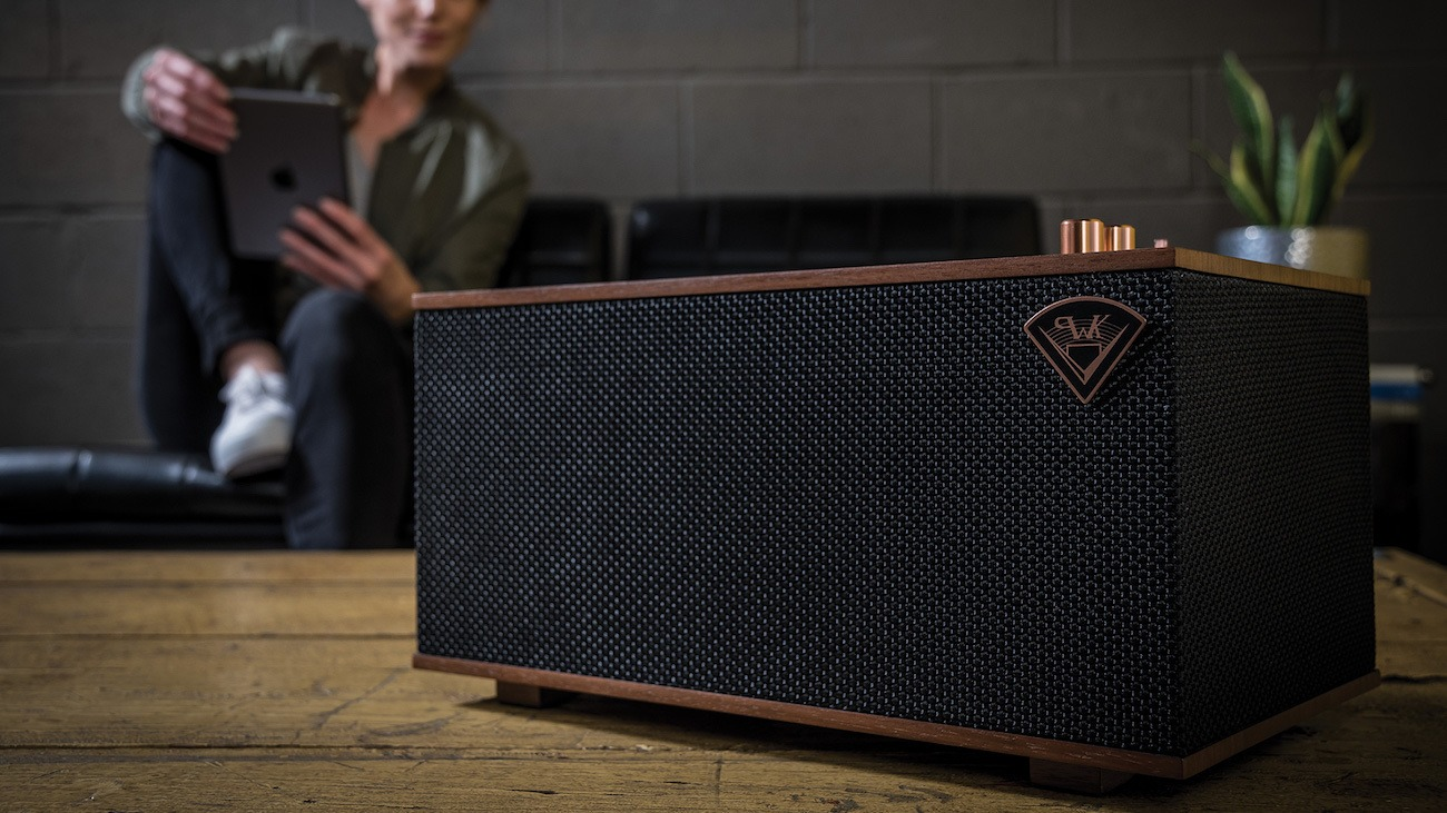 The Three Wireless Tabletop Stereo