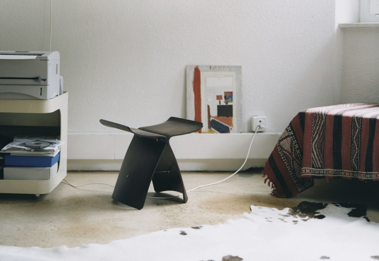 Vitra Butterfly Stool loading=