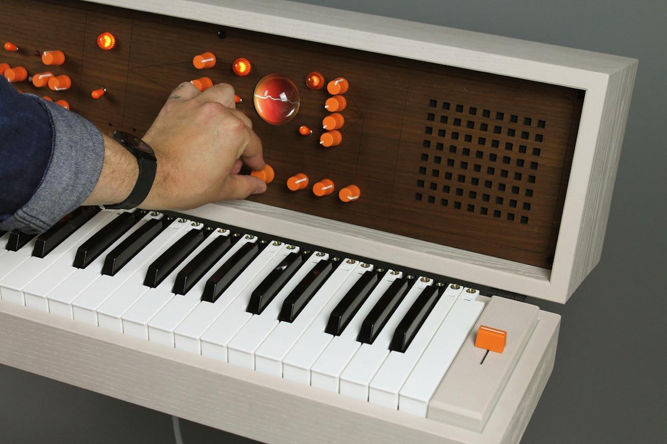 Voxarray 61 DIY Modular Synthesizer » Gadget Flow