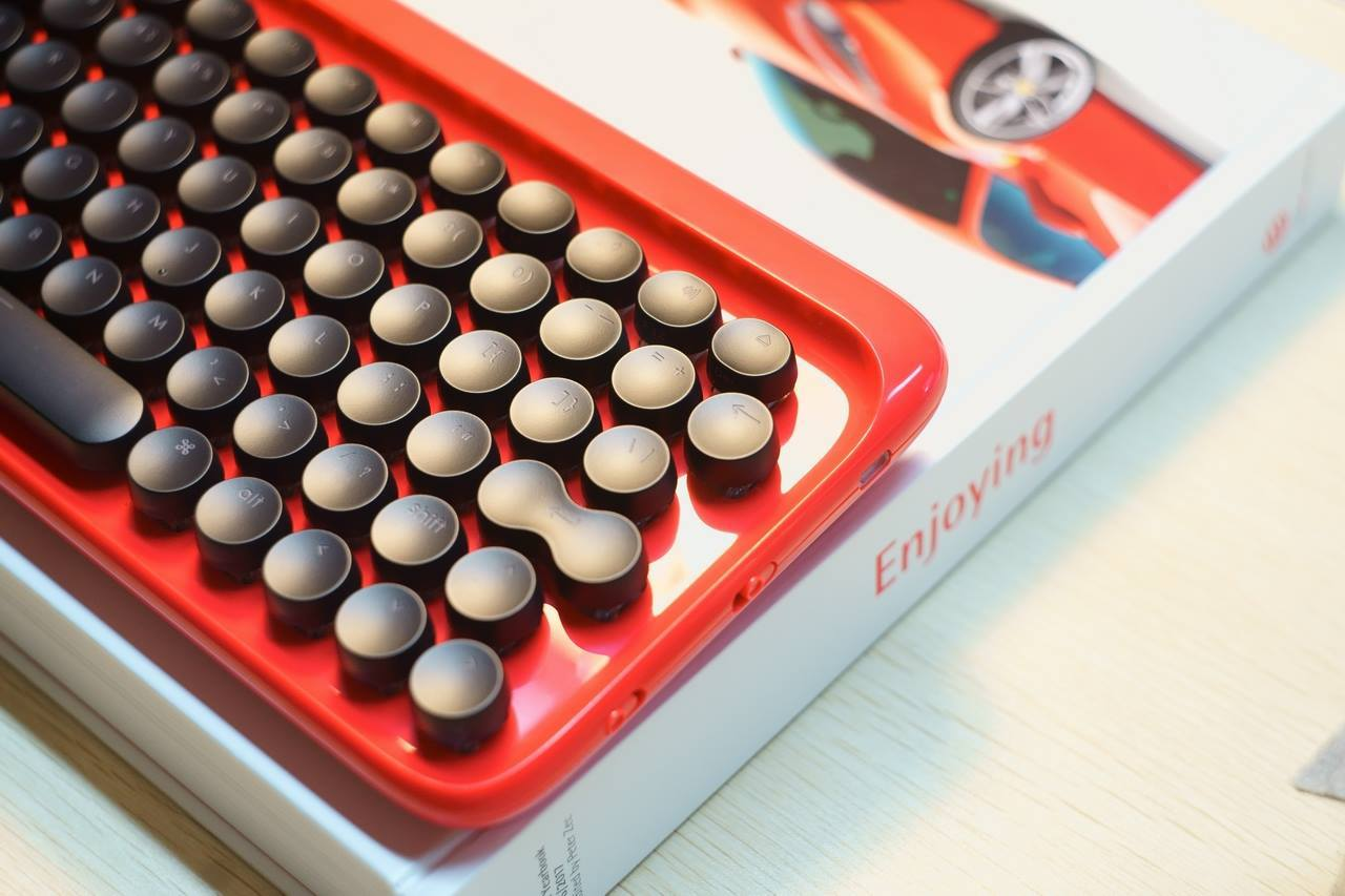 lofree Typewriter Inspired Keyboard