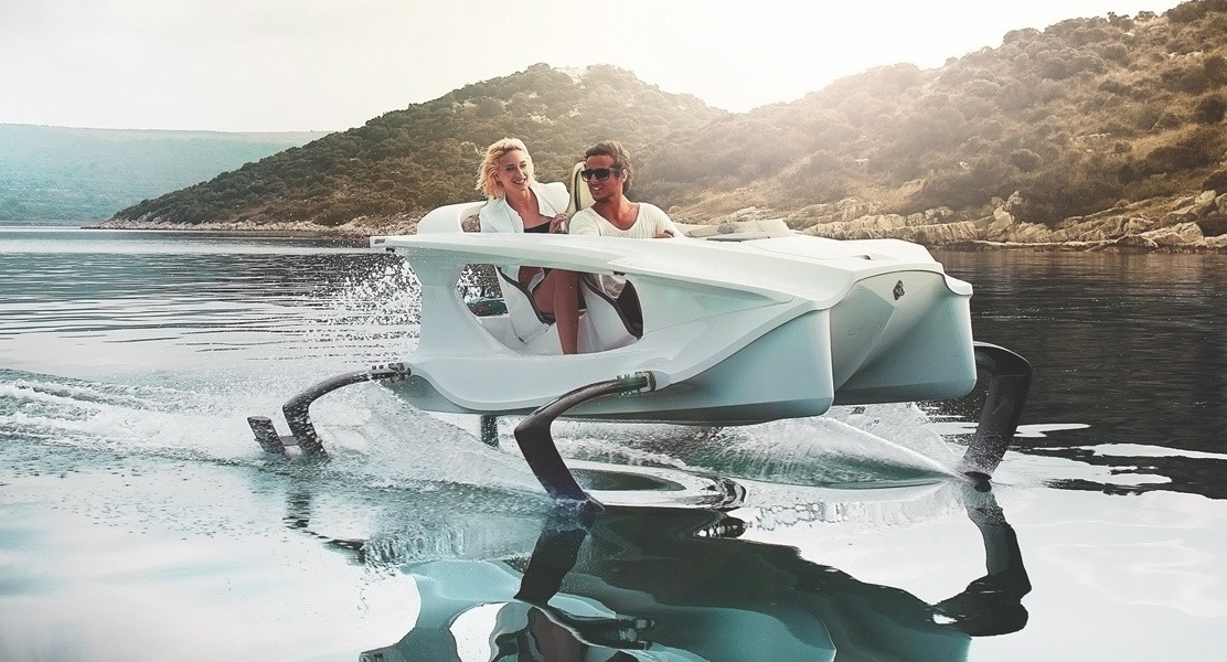 Quadrofoil – 2-Person Electric Watercraft