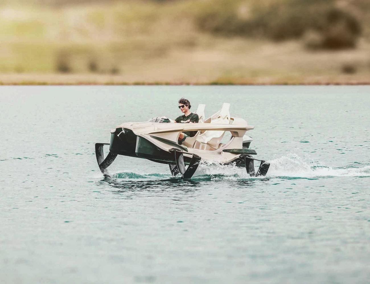 Quadrofoil – 2-Person Electric Watercraft