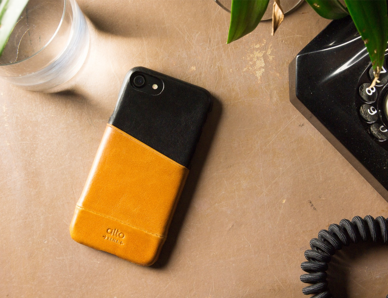 Alto Metro Leather iPhone Case