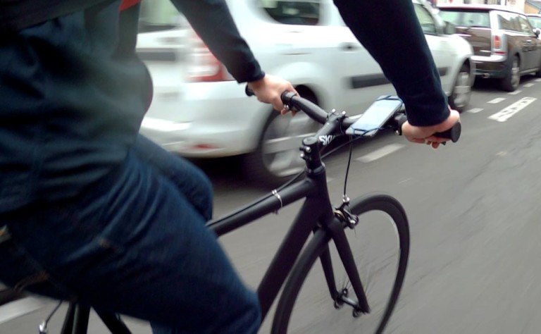 CYCLYK Universal Smartphone Bike Mount works with any smartphone