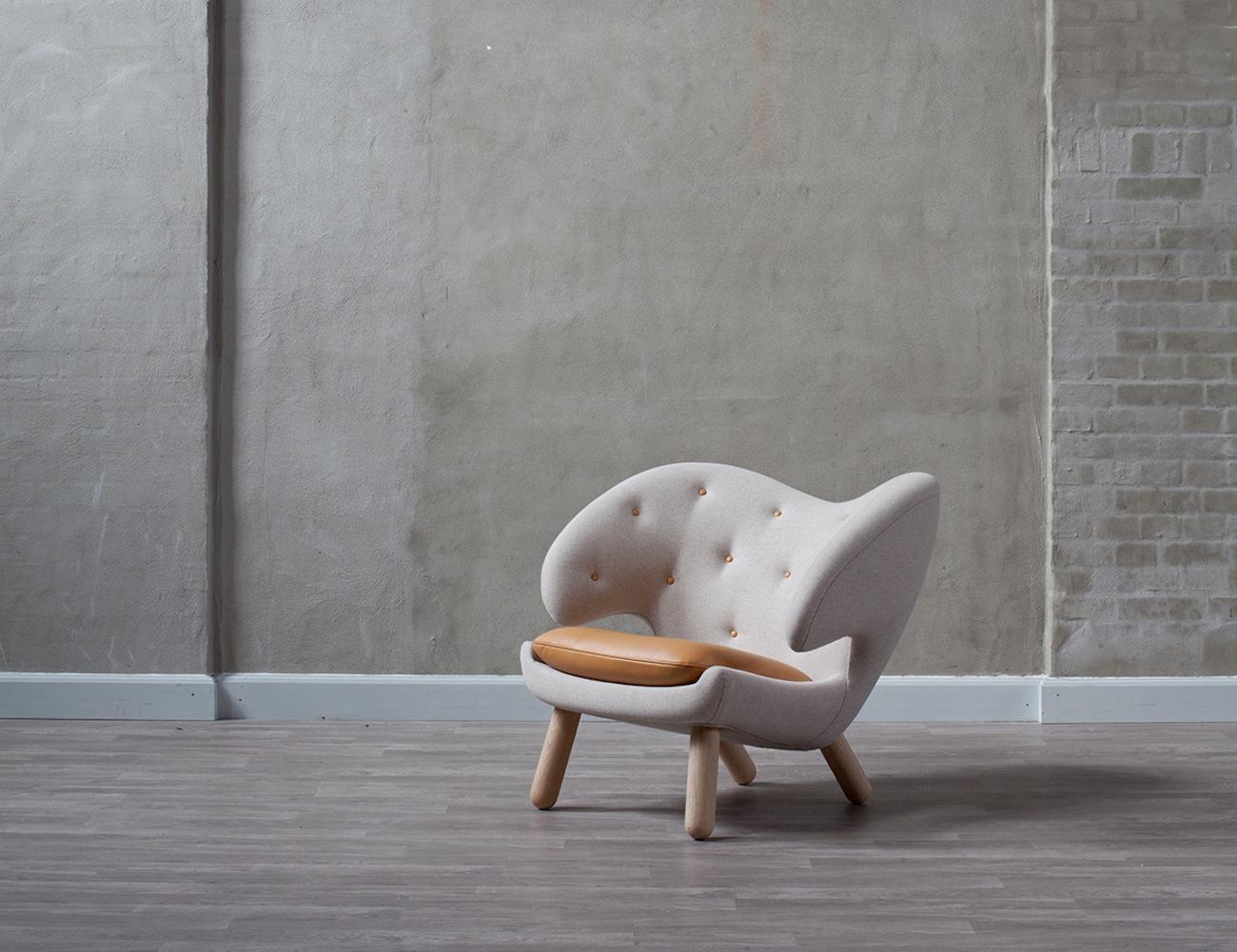 Finn Juhl Pelican Leather Chair & Finn Juhl Pelican Leather Chair » Gadget Flow