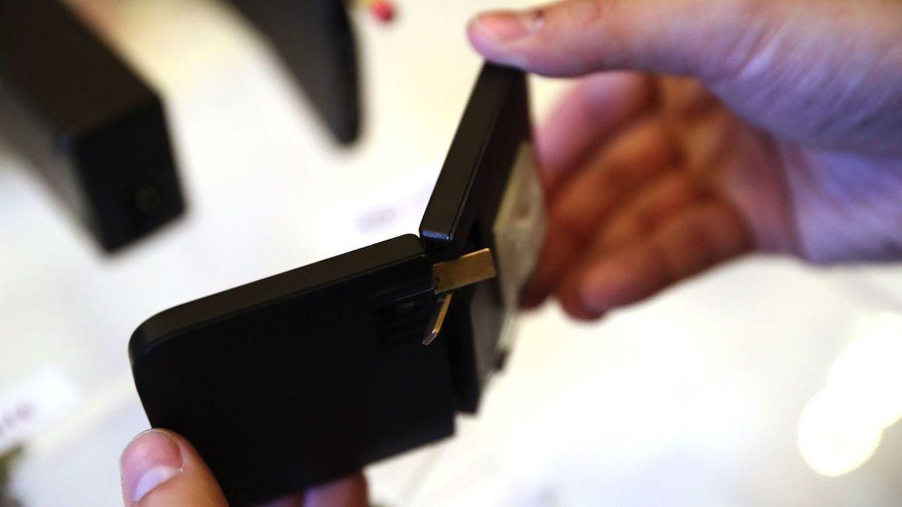 Kado Wallet Super Thin Charger