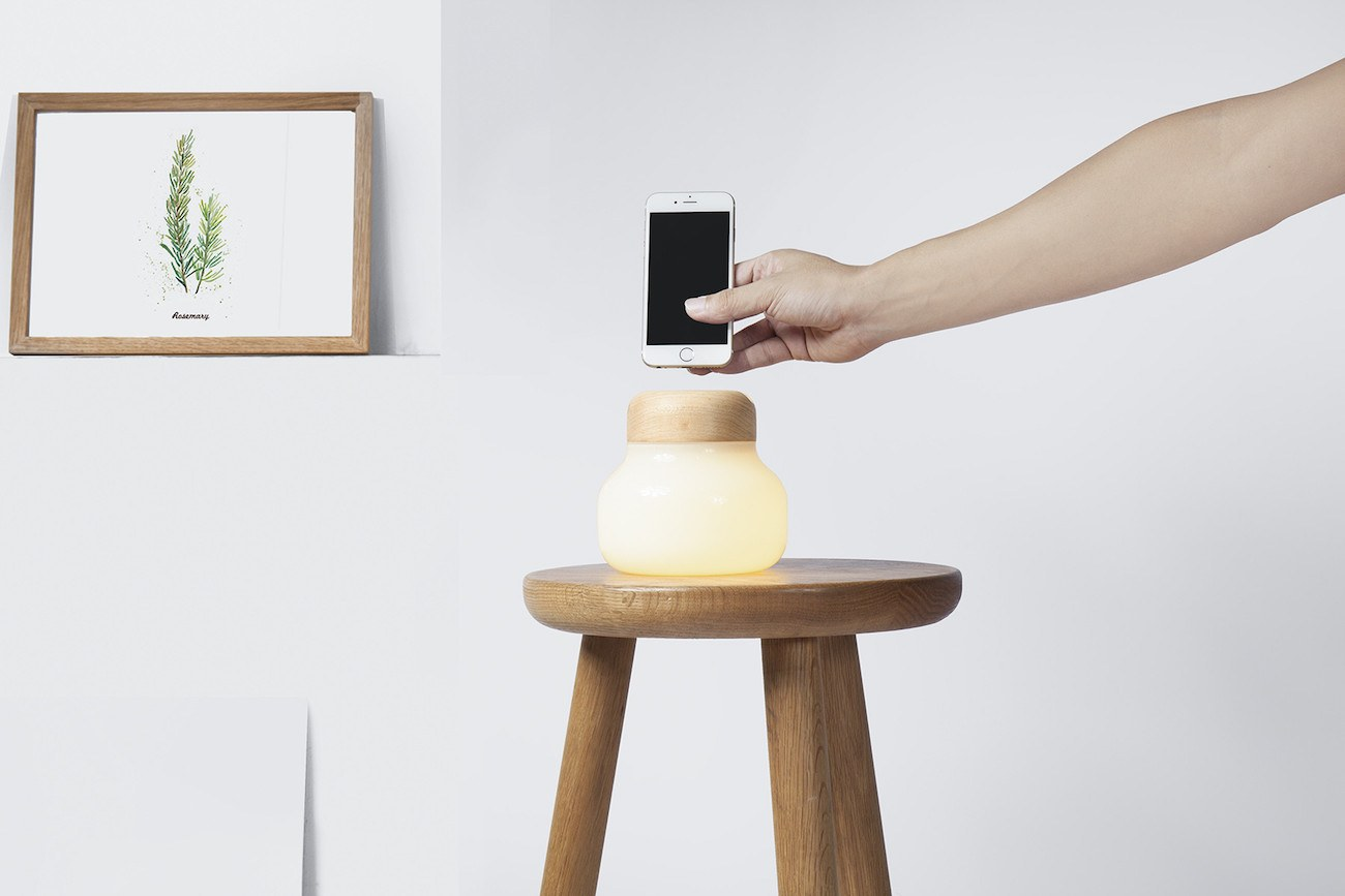 Mushroom LED Lamp Smartphone Charger