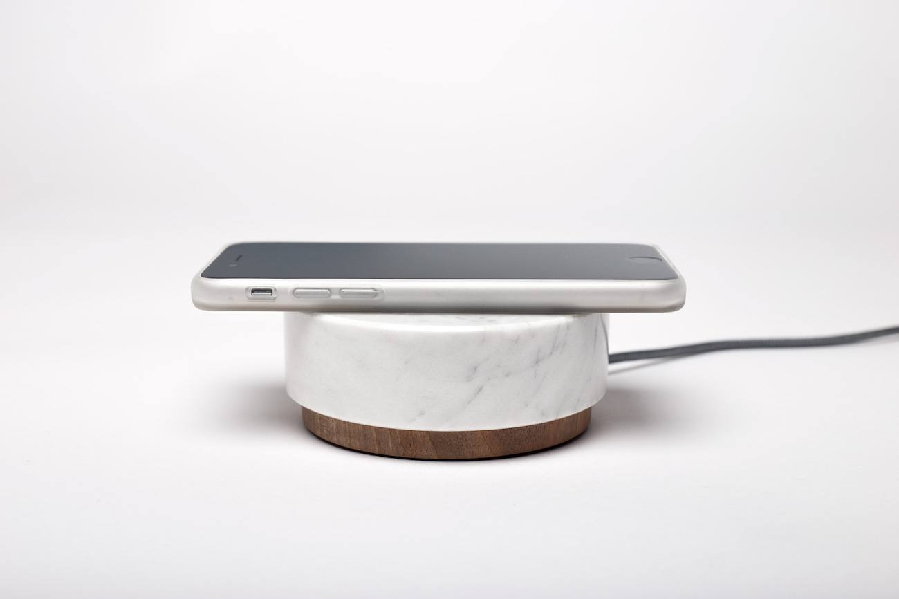 Orée Pebble Wireless Charger Speaker