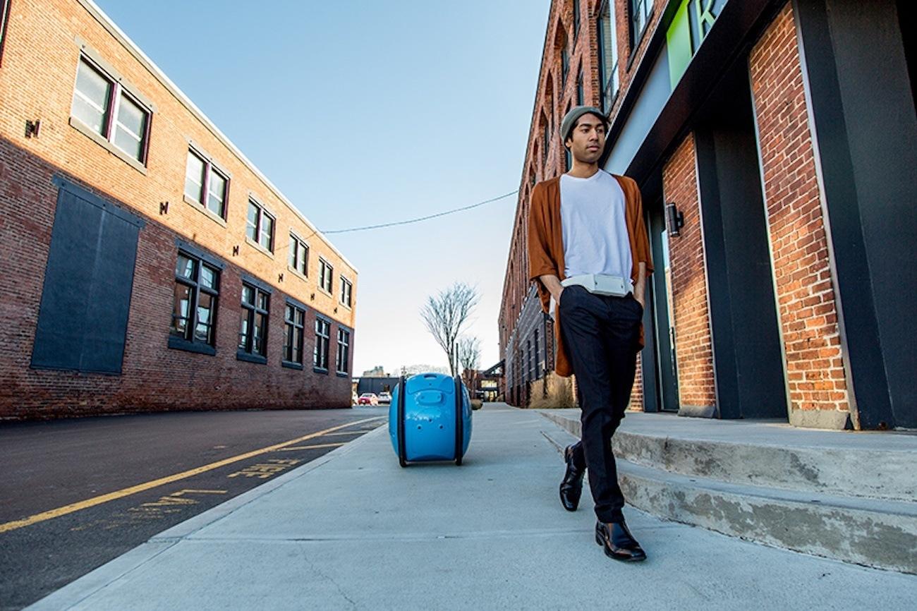 Shopping Assistant Cargo Robot