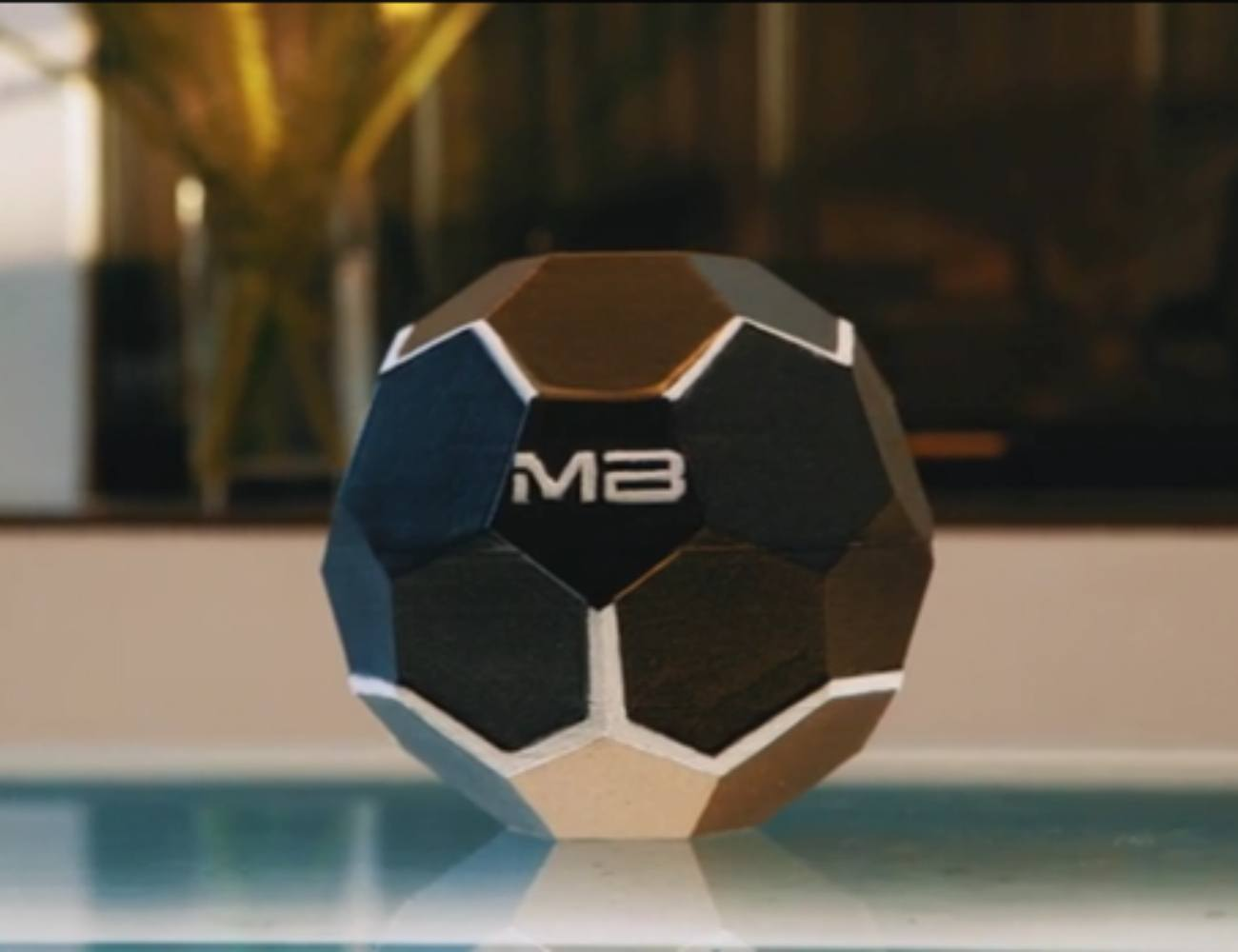 MotherBox Truly Wireless Charger