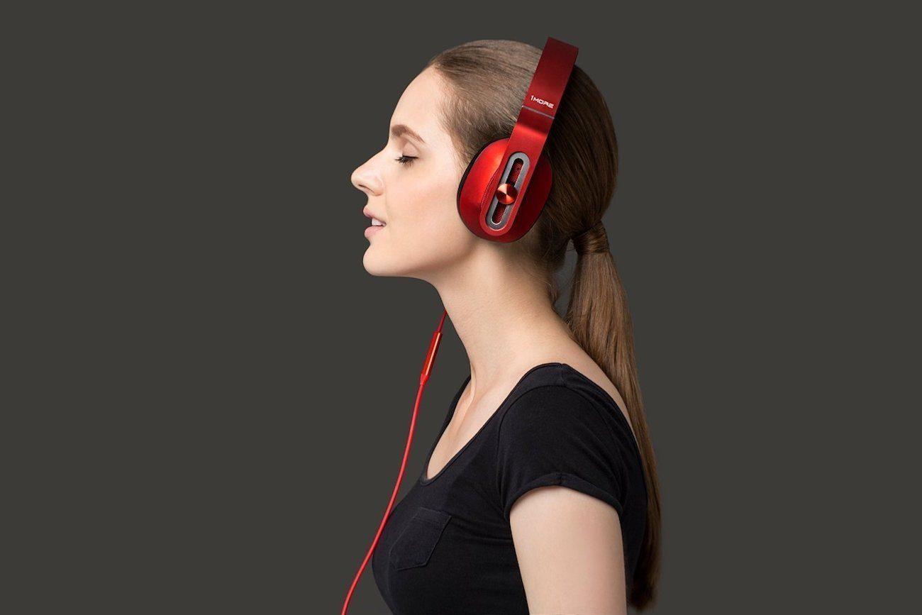 1More MK801 Over-Ear Headphones