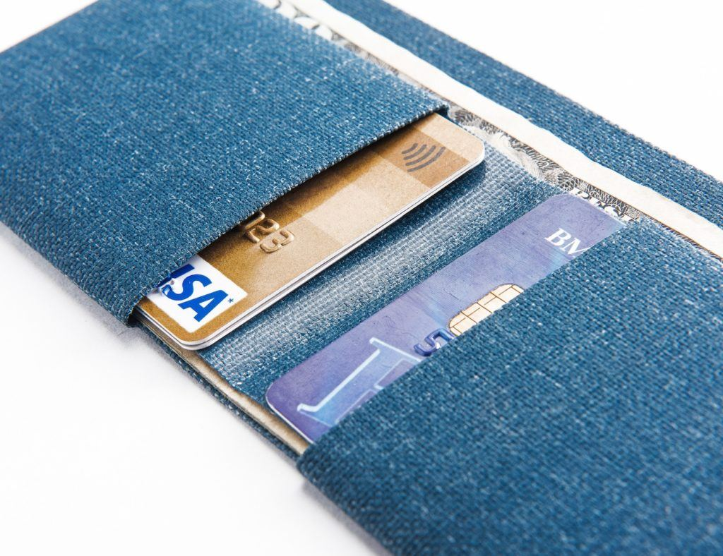 The Cardamon Minimal Wallet is the Simplest Billfold Wallet