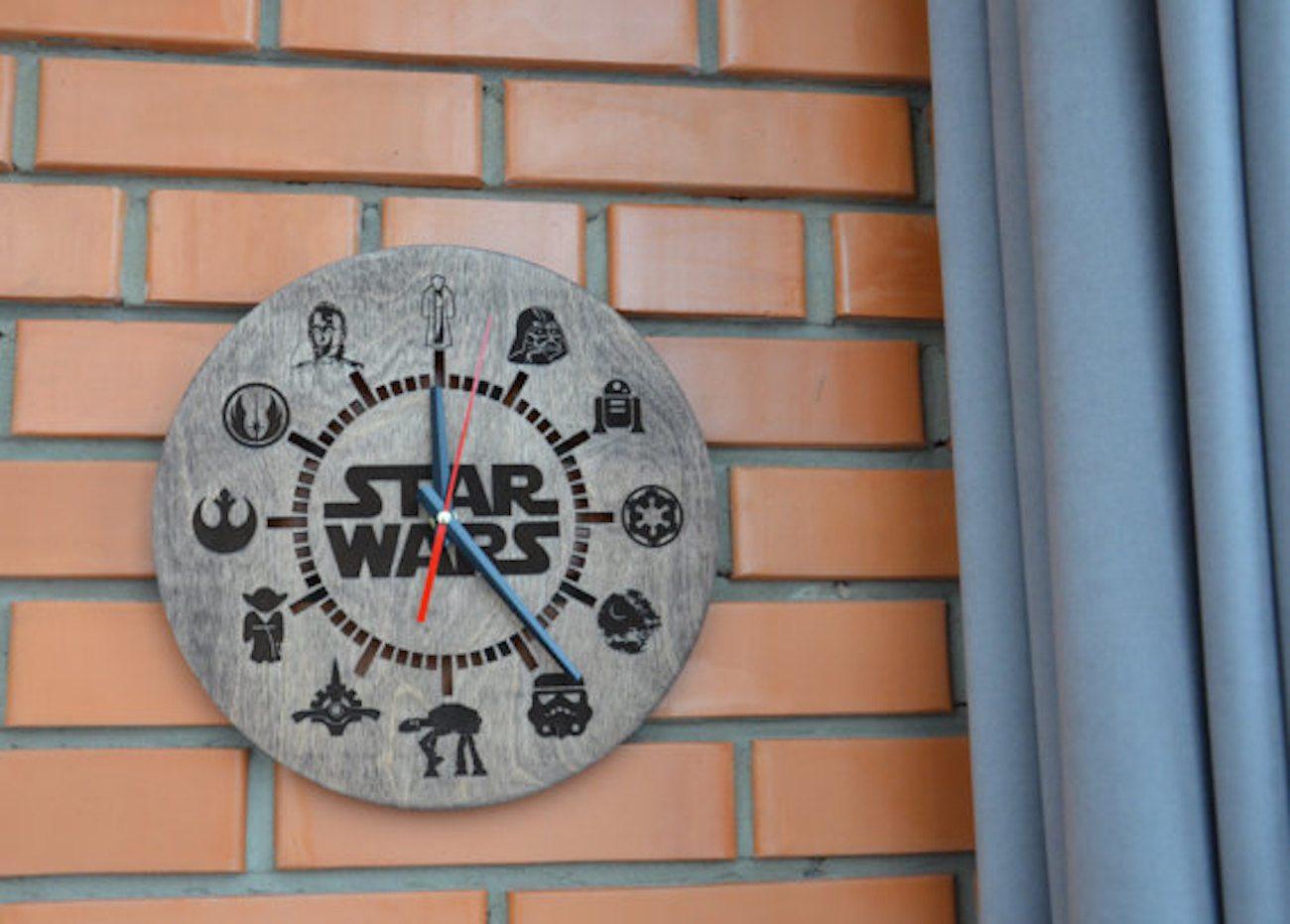Engraved+Wood+Star+Wars+Clock