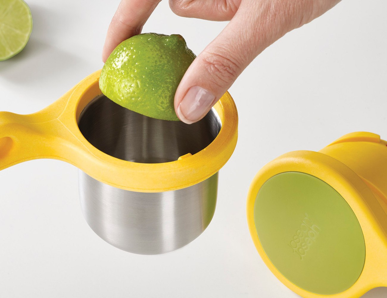 Joseph Joseph Helix Hand-Held Citrus Press