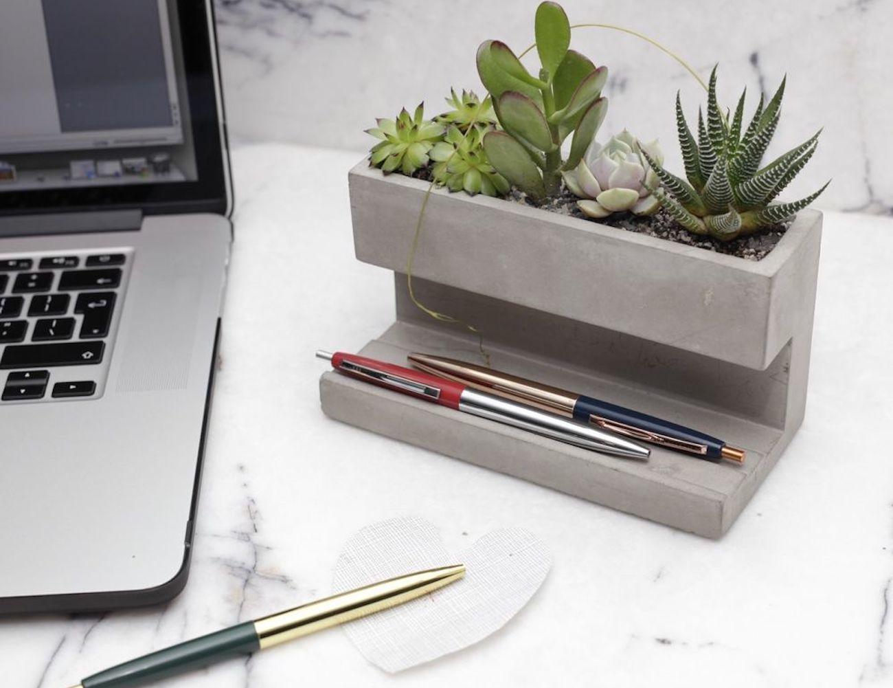 Kikkerland+Concrete+Desktop+Planter