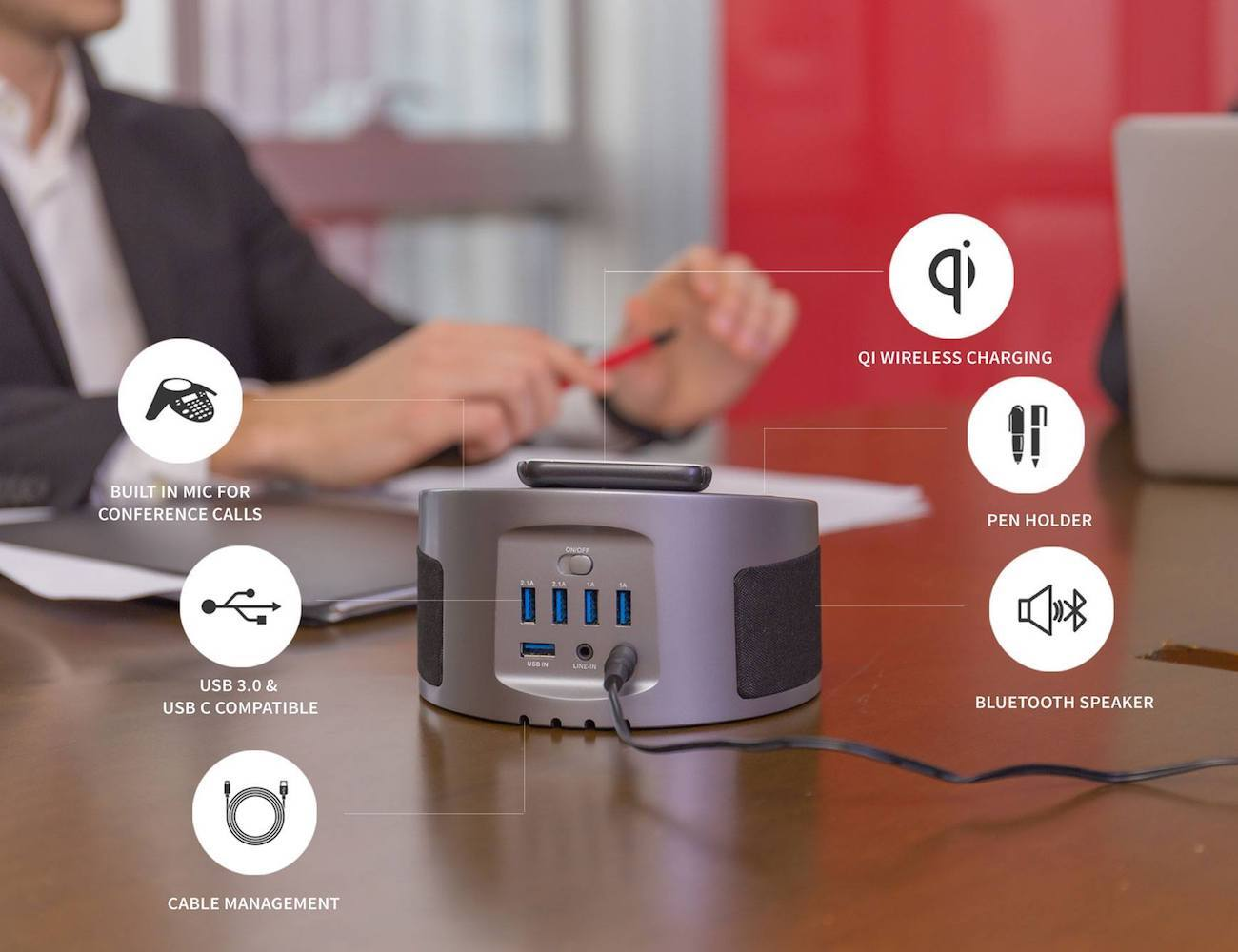 LYNQ 6-in-1 Wireless Charging Hub