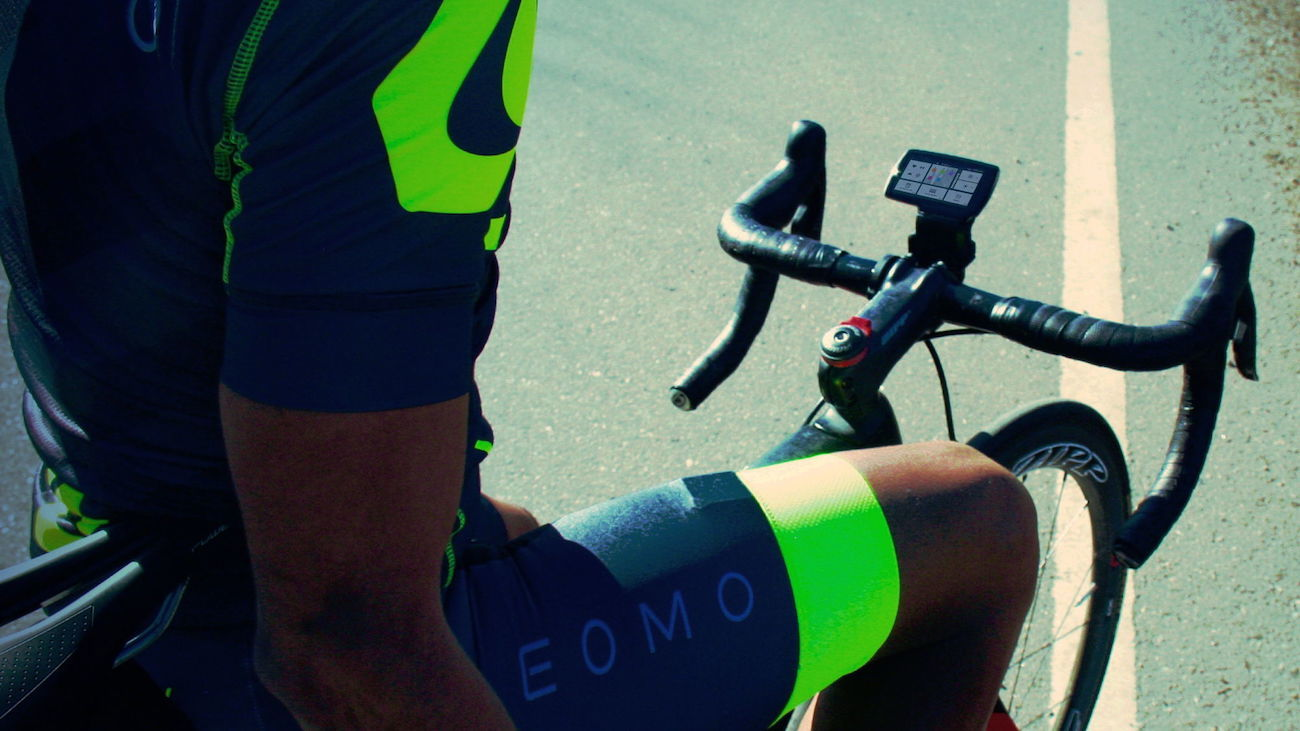 Leomo Type-R Cycling Wearable Coach