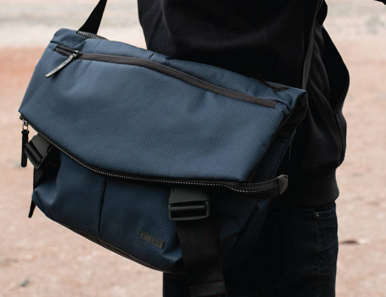 Lexdray Mumbai Messenger Bag