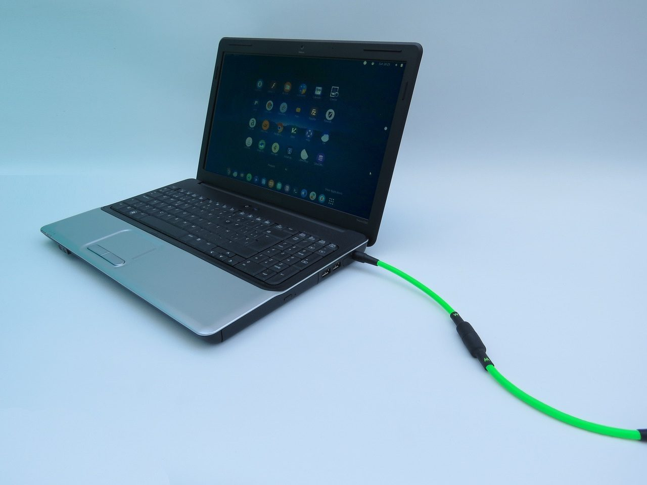 MAGTOP Magnetic Laptop Charging Cable