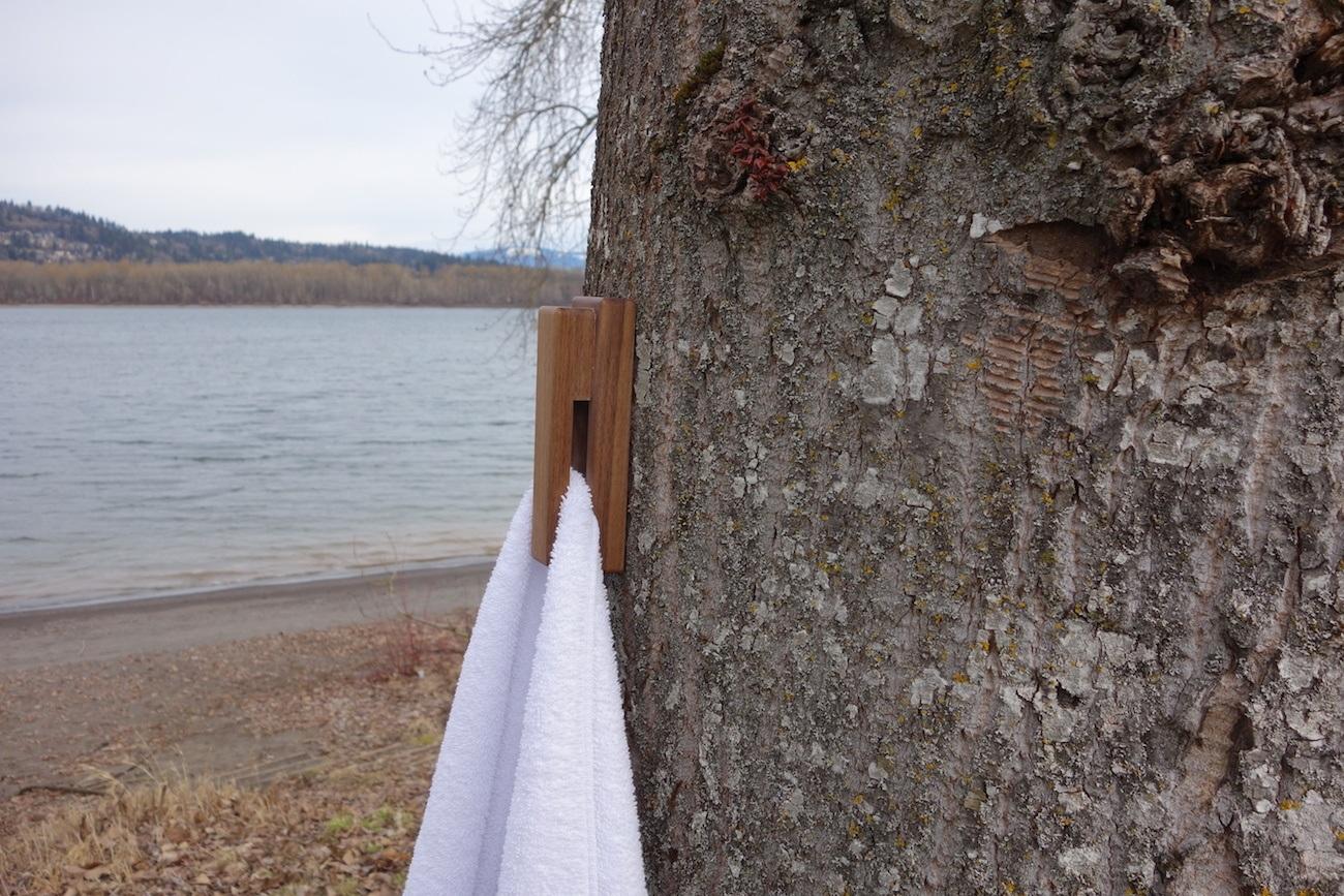 Ruggy Scientifically Balanced Hanger