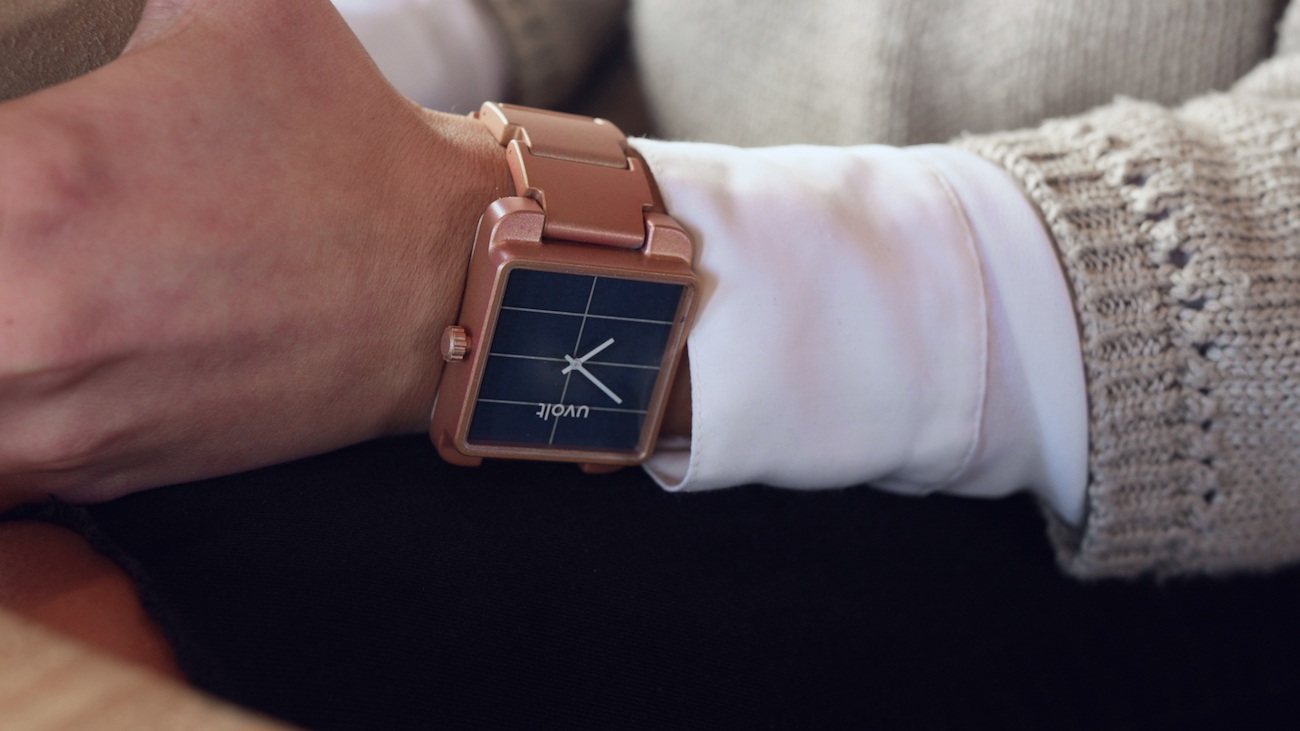 Uvolt Smartphone Charging Solar Watch