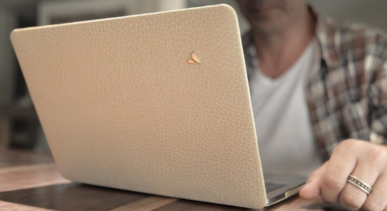 Vaja+MacBook+Pro+Touch+Leather+Case