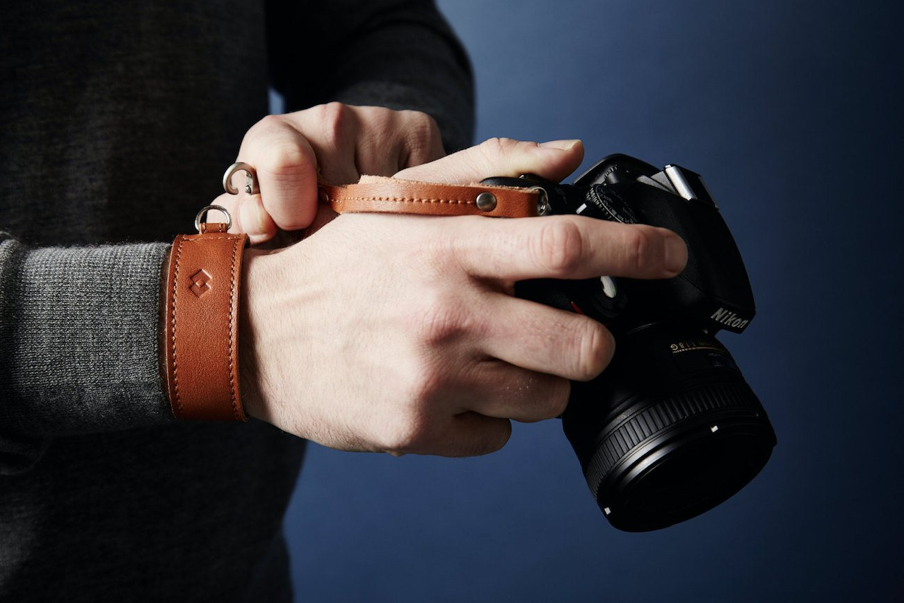 Adjustable+Leather+DSLR+Wrist+Strap