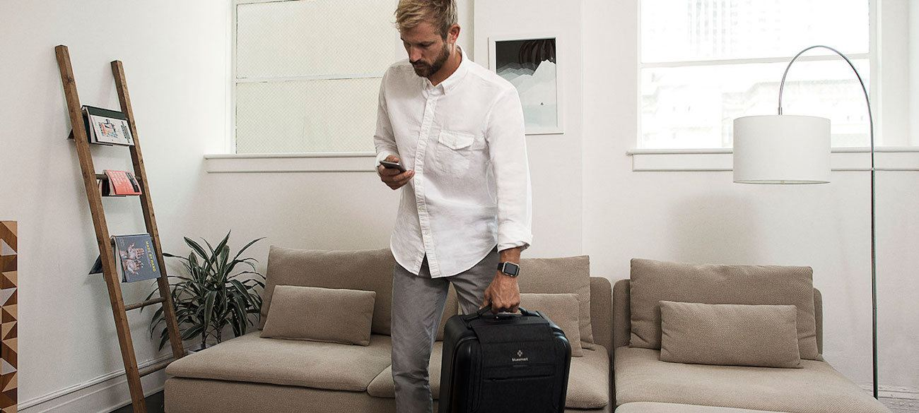 Bluesmart+Black+Smart+Suitcase