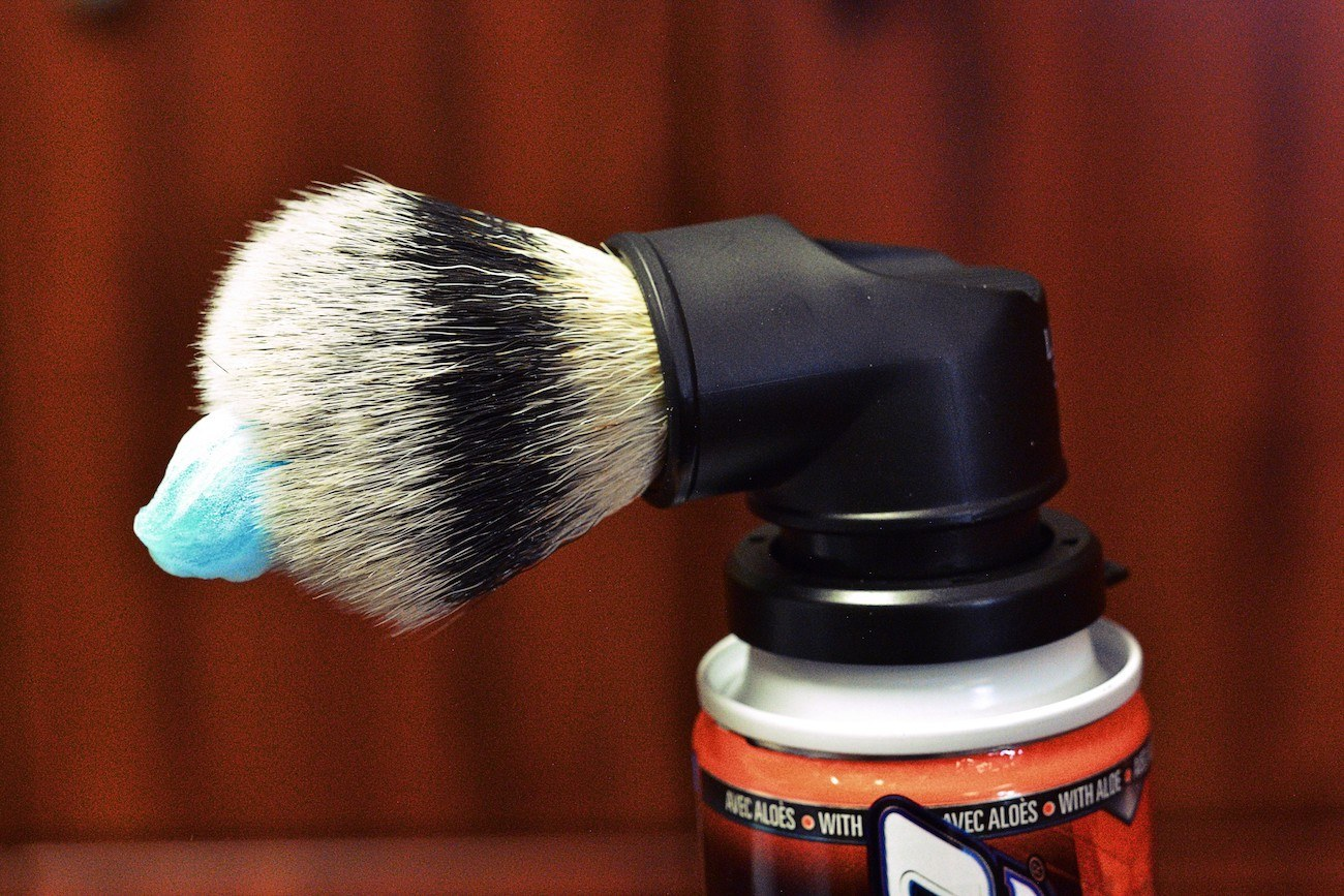 Evolution Shaving Can Shave Brush