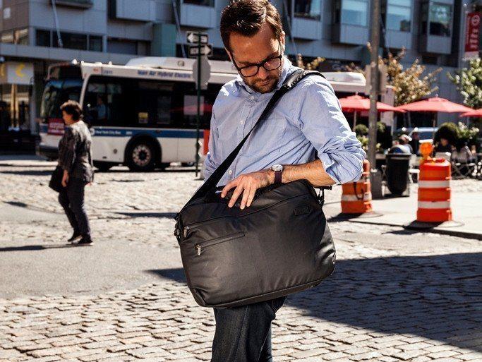27da58af30543 Genius Pack Entrepreneur Bag » Gadget Flow