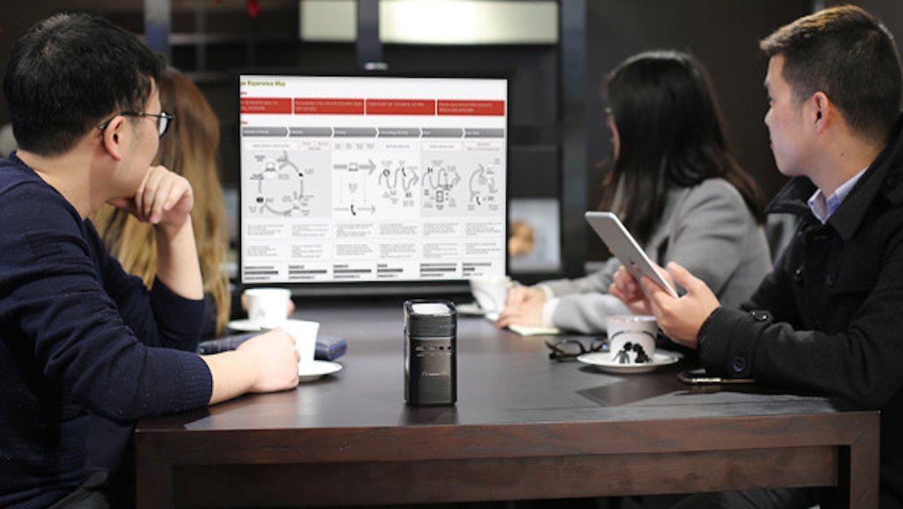 Keruo L7 Smart Pocket Projector
