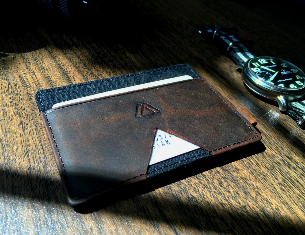 Mark is the perfect cardholder for minimalists