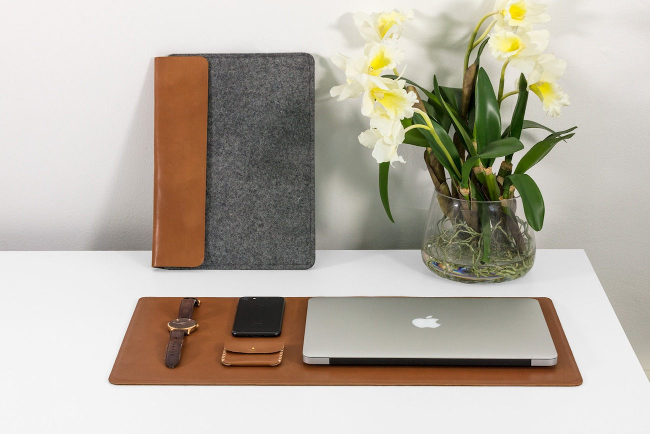 Markhor Minimalist Apple Accessories