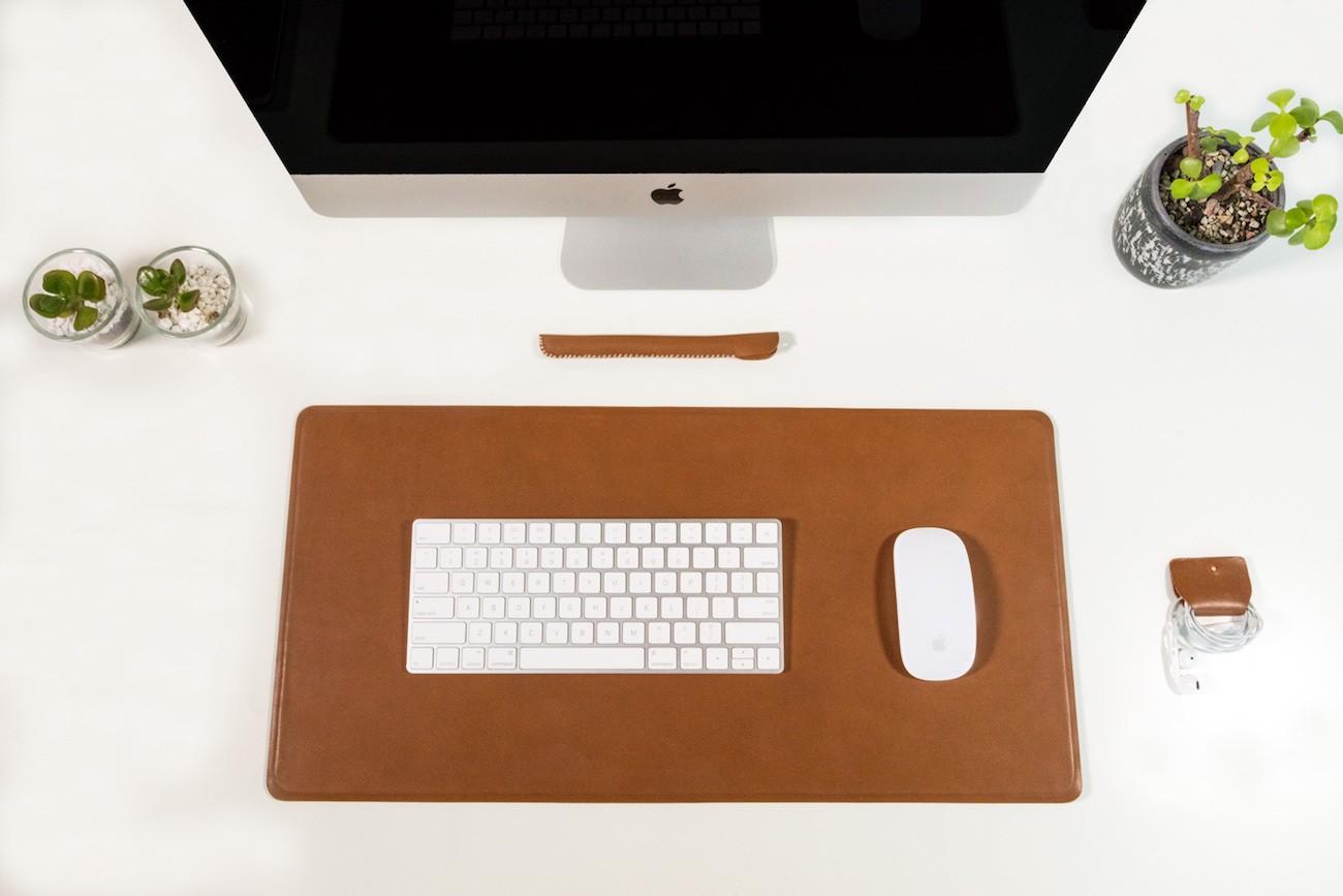 Markhor Minimalist Apple Accessories