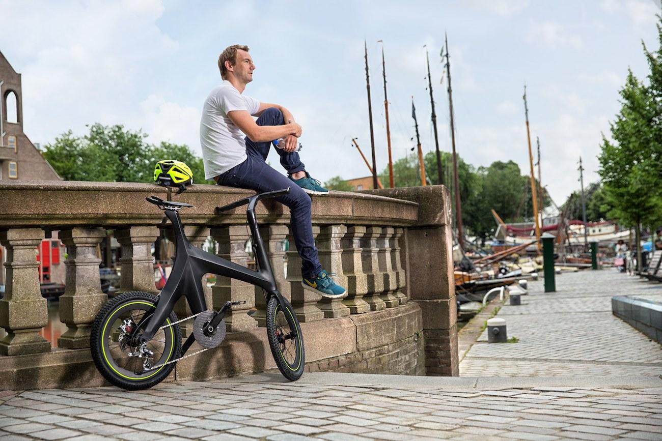Minimal Bike Carbon Fiber Bike