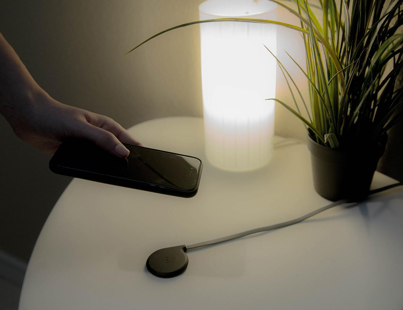NOCABLE Wireless iPhone Charging System