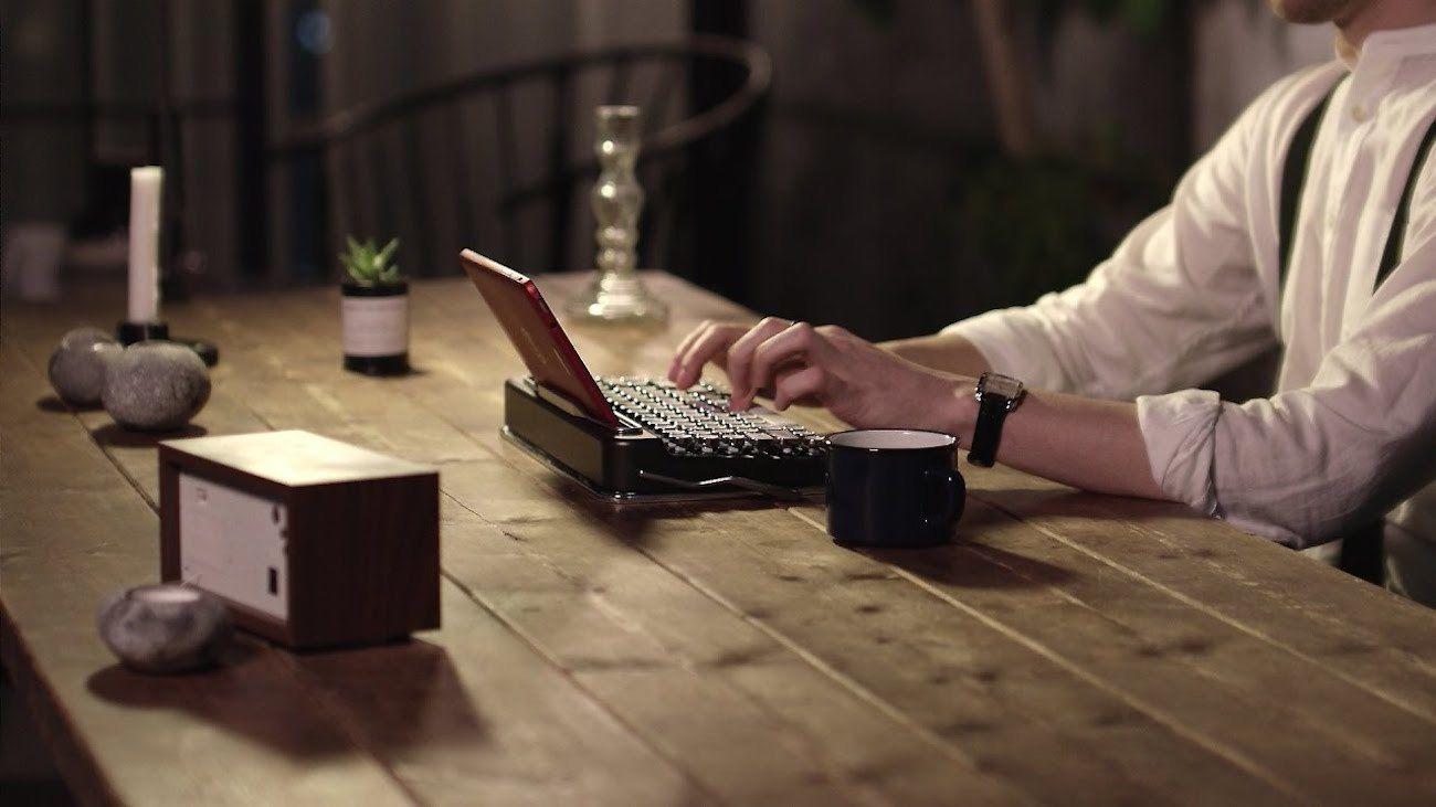 Penna Retro Bluetooth Keyboard