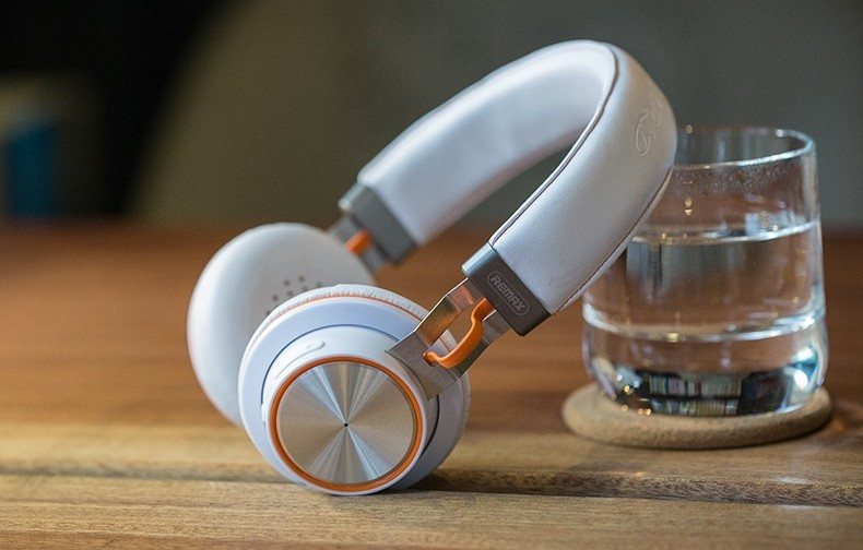 Stereo Wireless Bluetooth Headphones
