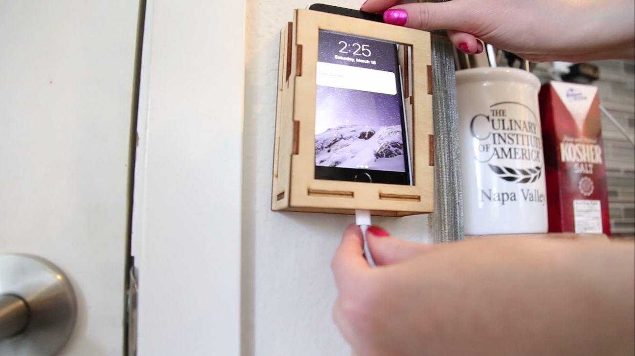 nuk Minimalist Phone Caddy