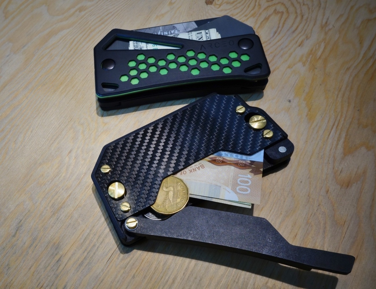 Arceo Wallet Magnetic Carry System