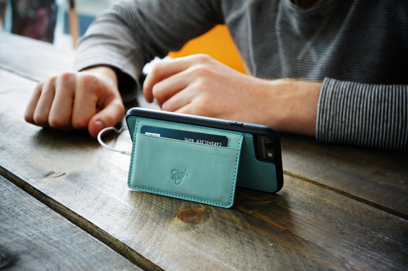 Bee-Case Smartphone Case and RFID Technology Wallet