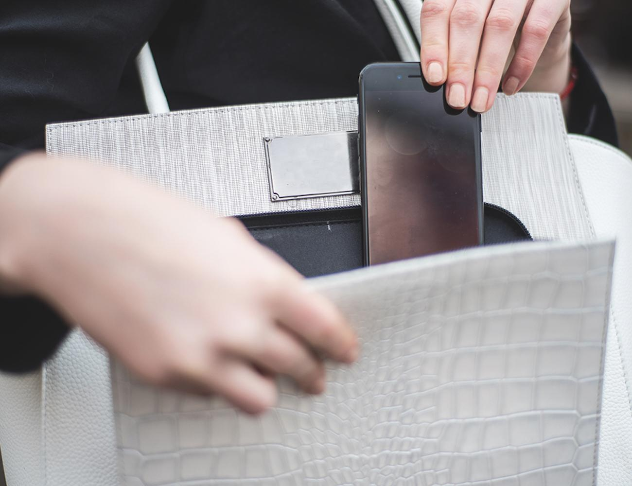 SMART Connected Luxury Handbag