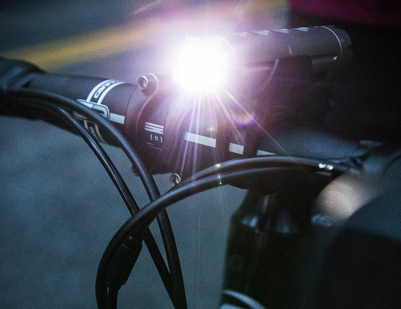 Fabric 300-Lumen Bike Light